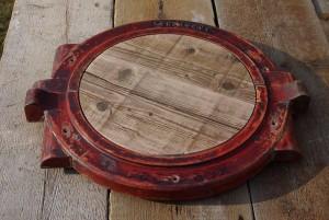 Tischplatte aus Gussform mit Bauholzfüllung